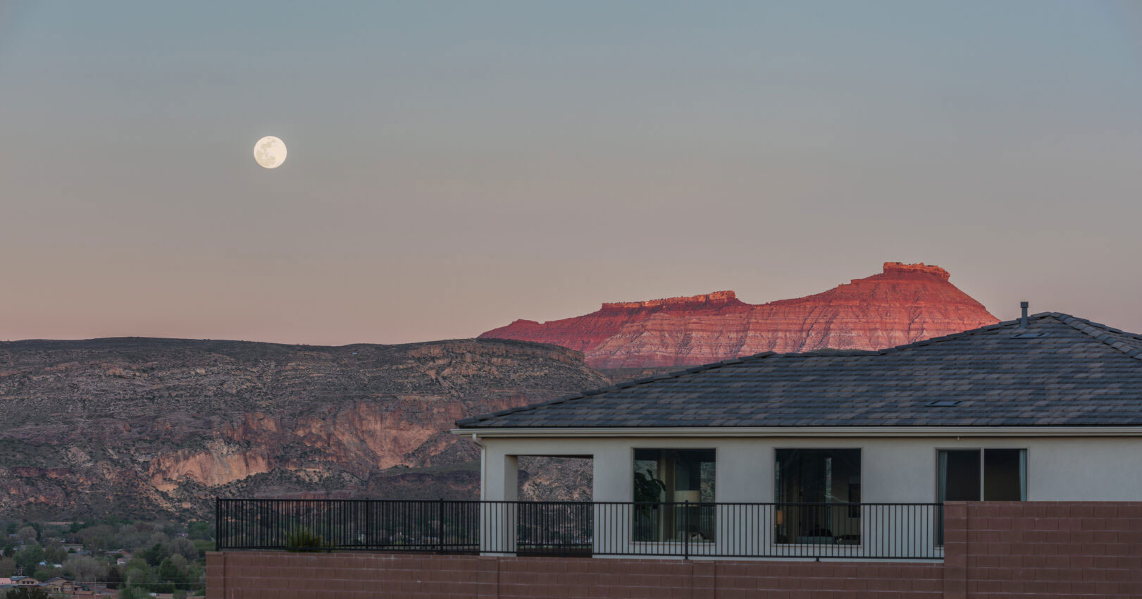 Zion Vista Home with beautiful backdrop